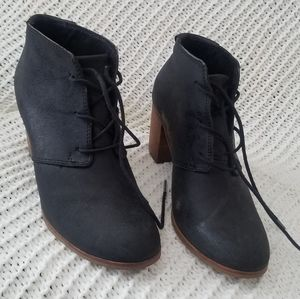 Tom's black lace up booties with wooden heel